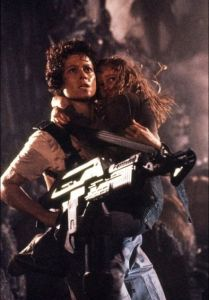aliens-sigourney-weaver-as-ellen-ripley-with-newt